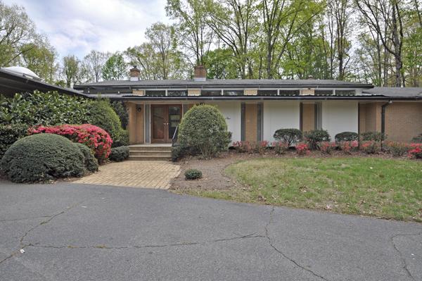 Modern Charlotte - Monroe mid-century modern estate exterior