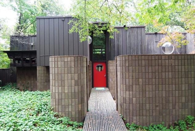 modern charlotte - modern home Pellyn Wood Bernstein