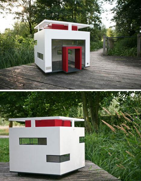 Modern Charlotte - mod dog house