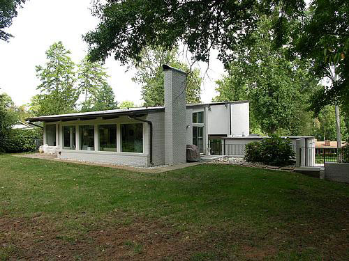 Modern in sherwood forest modern charlotte nc homes for for Mid century modern real estate