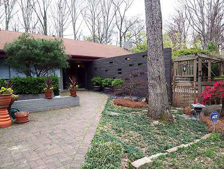 Hip Mid-century Home
