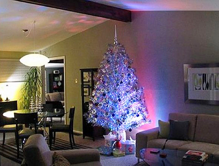 Christmas-Tree-Aluminum-and-Lighting-588x439